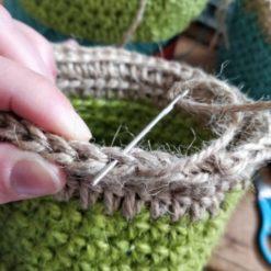 Crochet a plant pot